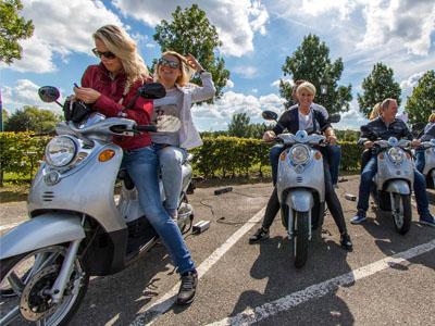 bedrijfsuitje met de e-scooters van de e-experience